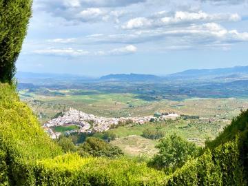 Views-of-village-USE