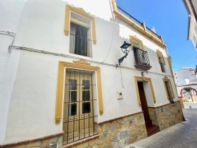 Image No.0-4 Bed Village House for sale