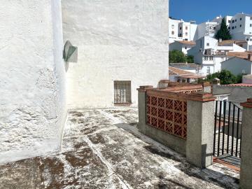 Second-floor-terrace-rear