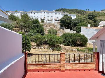 Rear-terrace