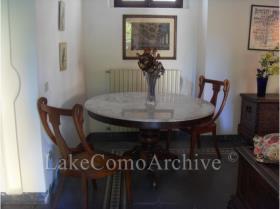 Image No.4-Maison de 4 chambres à vendre à Menaggio
