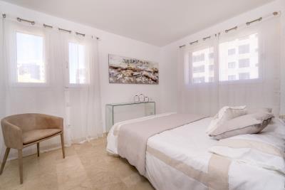 B4-2_La_Recoleta_Punta_Prima_bedroom_027Piloto