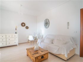 Image No.6-2 Bed Property for sale