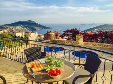 Kalkan-apartment-for-sale-in-Kiziltas-area-overlooking-Kalkan-bay-and-harbour-apartment-for-sale-in-Kalkan---55