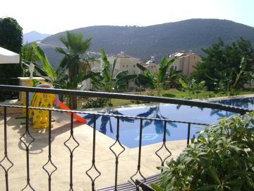 Kalkan-apartment-for-sale-in-Kiziltas-area-overlooking-Kalkan-bay-and-harbourDSC04269