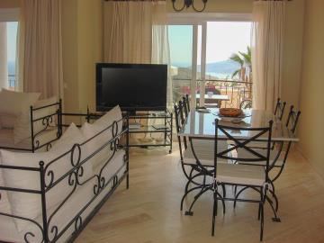Kalkan-apartment-for-sale-in-Kiziltas-area-overlooking-Kalkan-bay-and-harbourDSC07221
