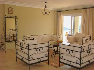 Kalkan-apartment-for-sale-in-Kiziltas-area-overlooking-Kalkan-bay-and-harbourDSC07230