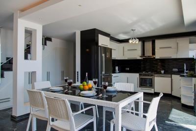 Luxury-Villa-for-Sale-in-Kalkan-LV660-7-1