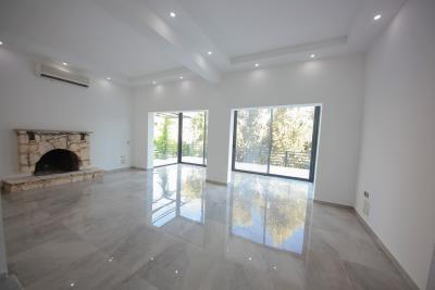 Four-Bedroom-Centrally-Located-detached-villa-for-sale-in-Kalkan-town-centre--IMG_8574