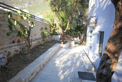 Four-Bedroom-Centrally-Located-detached-villa-for-sale-in-Kalkan-town-centre--IMG_8608
