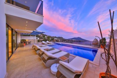 five-bedroom-villa-for-sale-in-Kalkan-by-Mavi-Real-Estate--32b914ae-74d7-434e-aff3-80eb2da2f714