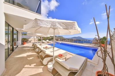 five-bedroom-villa-for-sale-in-Kalkan-by-Mavi-Real-Estate--44d270f8-8e02-4907-b9b7-a3810b7b61f6