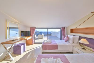 five-bedroom-villa-for-sale-in-Kalkan-by-Mavi-Real-Estate--95f4ab9f-6aec-4e8b-9ca3-c4bbf23f8751