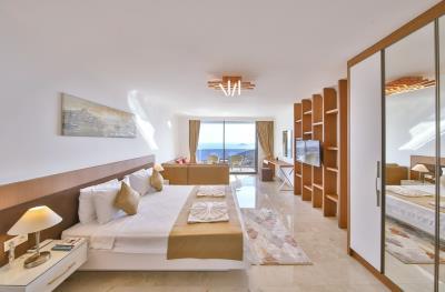 five-bedroom-villa-for-sale-in-Kalkan-by-Mavi-Real-Estate--112cc159-f371-4efb-94c3-9e70f1718a81