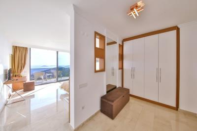 five-bedroom-villa-for-sale-in-Kalkan-by-Mavi-Real-Estate--1671e700-007a-480c-8348-5add1c949866