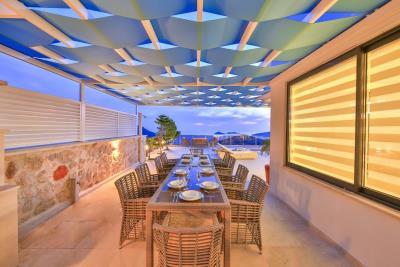 five-bedroom-villa-for-sale-in-Kalkan-by-Mavi-Real-Estate--5643fed3-48d7-4136-aa4b-c0df564c97bf