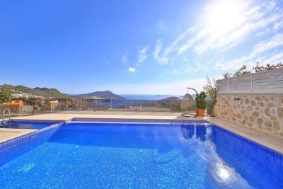 five-bedroom-villa-for-sale-in-Kalkan-by-Mavi-Real-Estate--89861645-17ae-45f2-afb8-563380ff3a4b