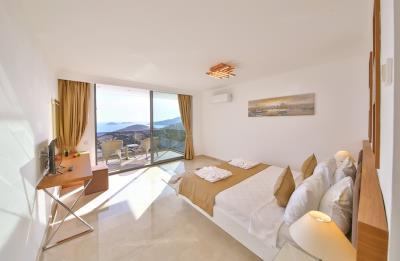 five-bedroom-villa-for-sale-in-Kalkan-by-Mavi-Real-Estate--e84699d7-08f8-49e9-bcbe-570e4fd2a6e3