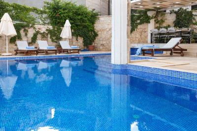 kalkan-luxury-villa-for-sale-ortaalan-area-deluxe-villa-for-sale-1