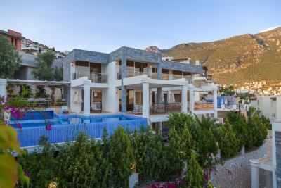 kalkan-luxury-villa-for-sale-ortaalan-area-deluxe-villa-for-sale-5