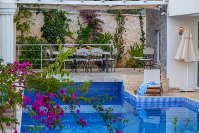 kalkan-luxury-villa-for-sale-ortaalan-area-deluxe-villa-for-sale