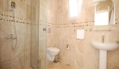 3-bedroom-kalkan-apartment-with-private-pool-for-sale--12Fully_tiled_shower_room