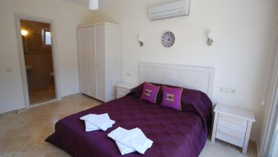 3-bedroom-kalkan-apartment-with-private-pool-for-sale--17Spacious_double_bedroom_with_en_suite