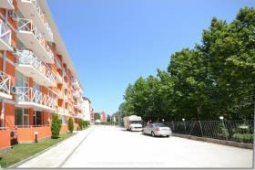 Image No.3-Appartement de 2 chambres à vendre à Sunny Beach