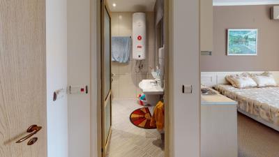 503-Bathroom