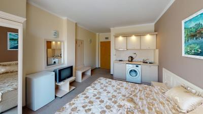 503-Bedroom