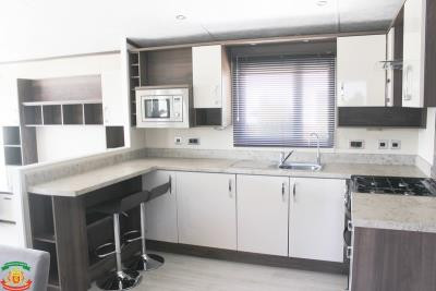 KITCHEN-2-63-Orange-Grove-Saydo