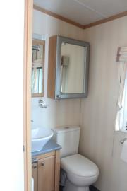 SHOWER-ROOM-22-Orange-Grove-Saydo-Park