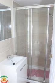SHOWER-ROOM-7-Olive-Grove-Saydo-Park