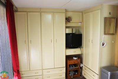 MASTER-BED-FITTED-WARDROBES