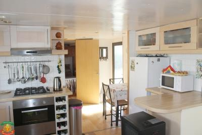 KITCHEN-DINER-2-3-Pool-Court-Saydo-Park