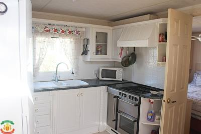 KITCHEN-12-Rotunda-Saydo-Park
