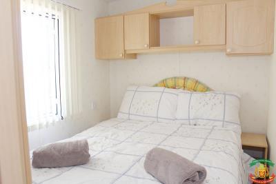 PEM-MASTER-BED---22-The-Avenue-Saydo-Park-Mollina