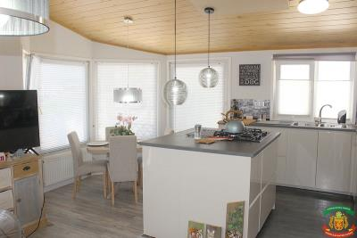 KITCHEN-DINING-AREA---27-Orange-Grove-Saydo-Park-Mollina
