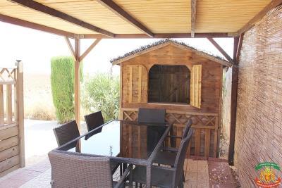 OUTSIDE-DINING-AND-BAR---43-Orange-Grove-Saydo-Park-Mollina