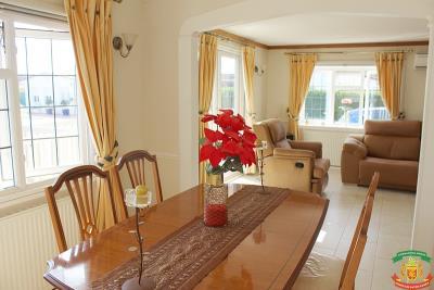DINING-ROOM---73-Orange-Grove-Saydo-Park-Mollina