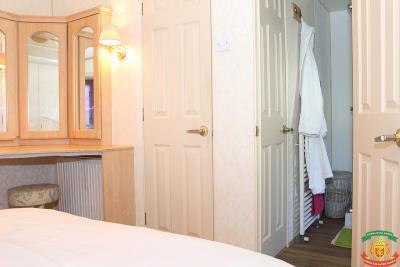 MASTER-BEDROOM-2---20-Olive-Grove-Saydo-Park-Mollina
