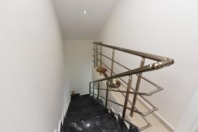 Image No.40-3 Bed Duplex for sale