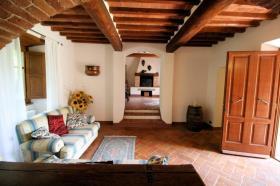 Image No.10-Ferme de 3 chambres à vendre à Lucignano