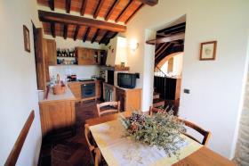 Image No.11-Ferme de 3 chambres à vendre à Lucignano