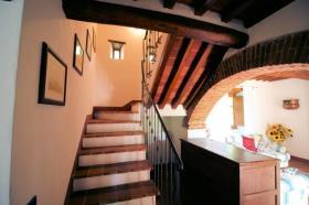 Image No.12-Ferme de 3 chambres à vendre à Lucignano