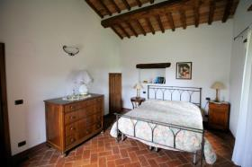 Image No.15-Ferme de 3 chambres à vendre à Lucignano
