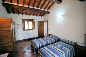 Image No.16-Ferme de 3 chambres à vendre à Lucignano