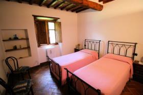 Image No.17-Ferme de 3 chambres à vendre à Lucignano