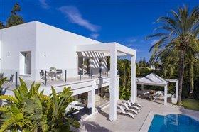 Image No.2-Villa de 5 chambres à vendre à San Pedro de Alcantara