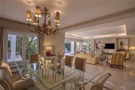 Image No.6-Villa de 5 chambres à vendre à San Pedro de Alcantara